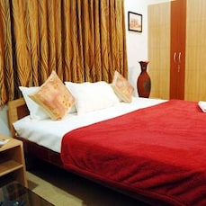 STAYMATRIX Service Apartment @ Adyar(714)