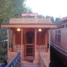 Happy Houseboat