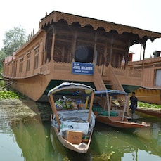 The Jewel in the Crown Houseboat