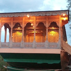 Jigar Palace Houseboat