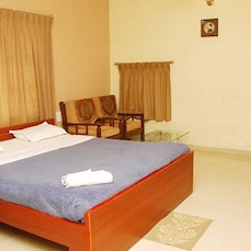 Samridhi Service Apartment