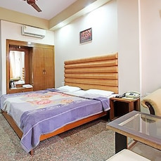 TG Rooms Subhash Marg