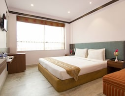 Super Saver 3 Star Park Street