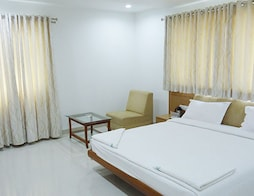 Super Saver 2 Star Hitech Gachibowli