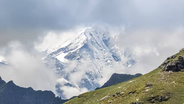Honeymoon In Himachal - Love Blossoms Here!