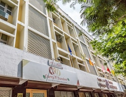 Hotel Pandian Near Railway station