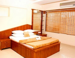 Prime Service Apartment (BKC)