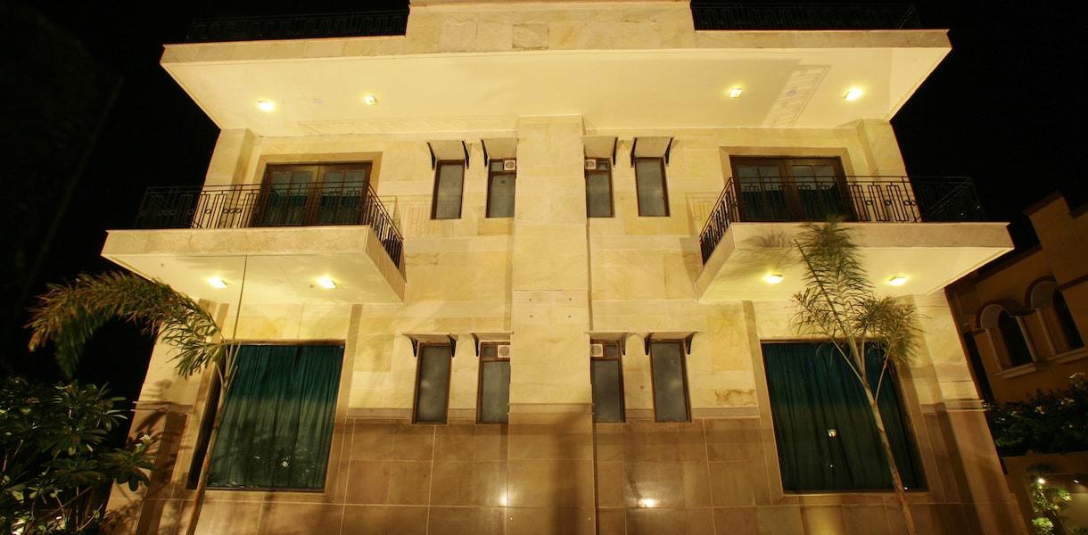 Justa Hotels