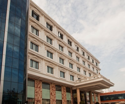 Anandha Inn Convention Centre & Suites