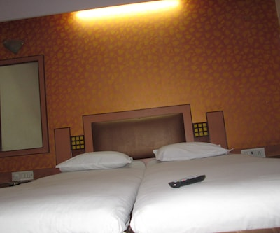 Navrathna Residency Lodging And Boarding,Mumbai
