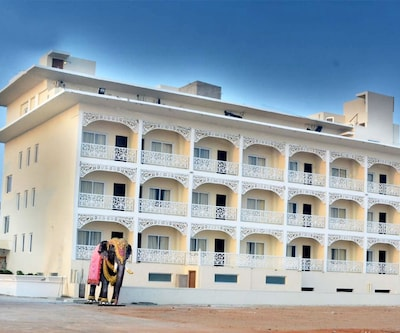 Hotel East West,Puri