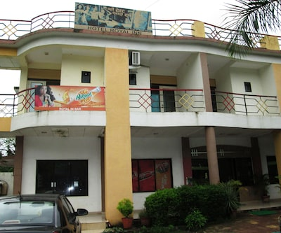 Hotel Royal Inn,Silvassa