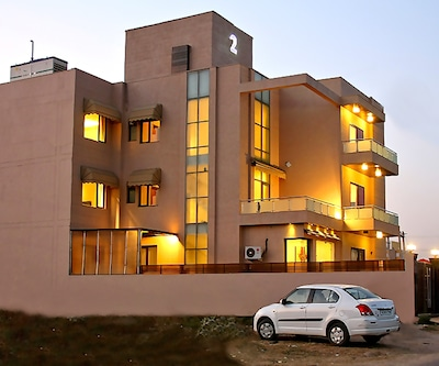 TG Stays Sohna Road,Gurgaon
