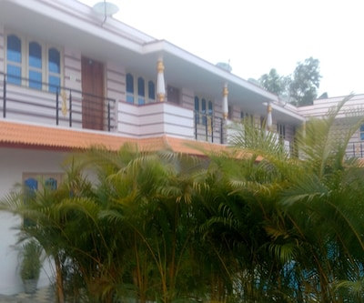Maharaja Palace Resorts,Coorg