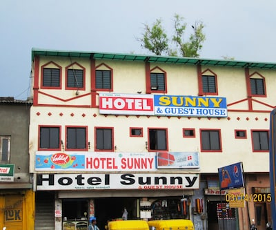 Hotel Sunny & Guest House,Ahmedabad