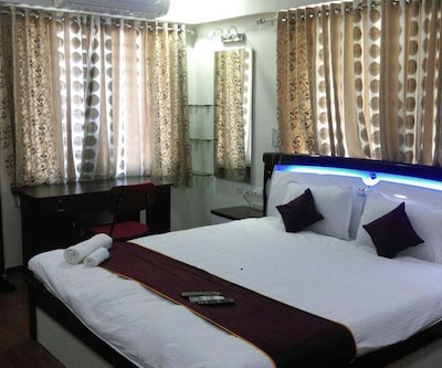 TG Stays Opposite Rahul Tower,Ahmedabad