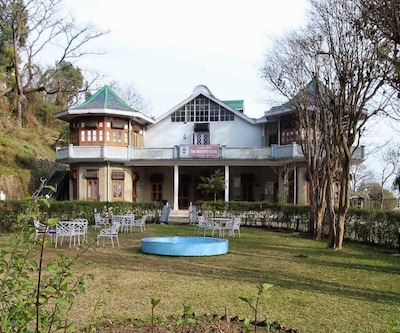 HPTDC The Kashmir House,Dharamshala
