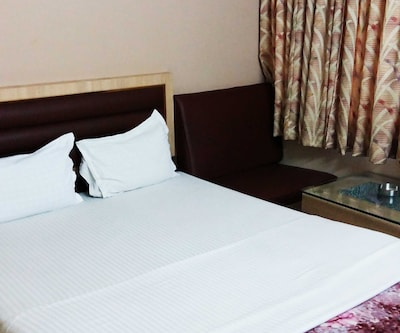 Hotel Z International, Jaydev Vihar,
