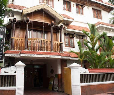 Hotel White Rose,Cochin