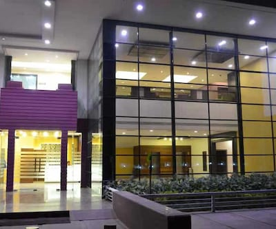 Hotel Waterlily,Indore