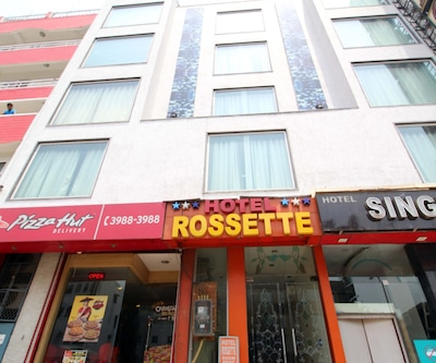 Hotel Rossette @ New Delhi Railway Station