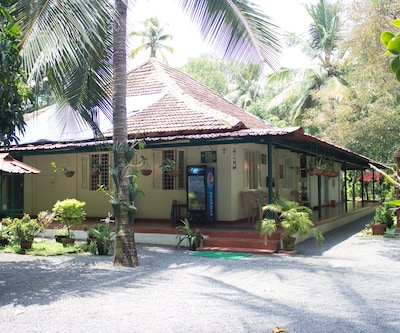 Palm Grove Service Villa, Edapally,
