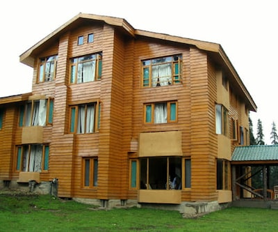 Pine Palace Resort,Gulmarg