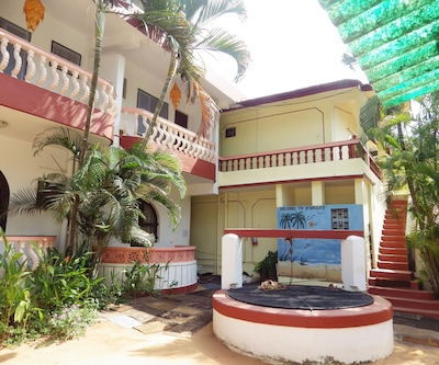 D mellos Sea View House, Candolim,
