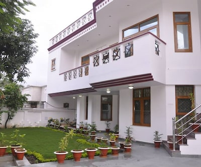 Elite Guest House,Lucknow