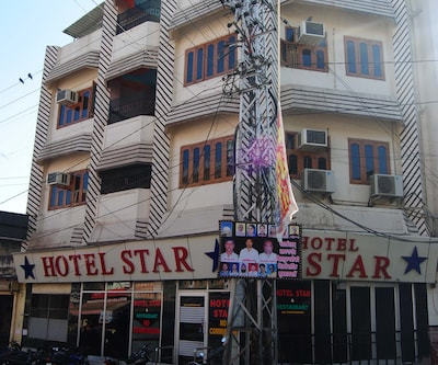 Hotel Star, Outside Delhi Gate,