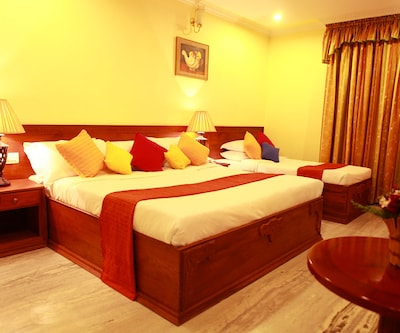 Hotel Grand Seasons,Cochin
