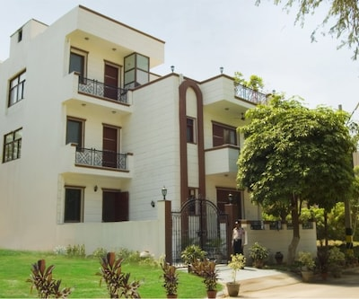 TG Stays DLF Phase IV,Gurgaon