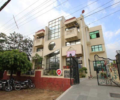 Hotel Hills Home,Gurgaon