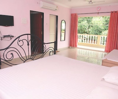 TG Stays Reis Magos,Goa