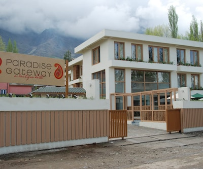 Paradise Gateway Luxury Living,Srinagar