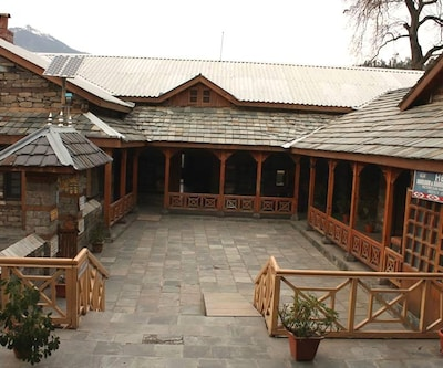 HPTDC The Castle,Manali