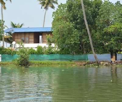 TG Stays Nurse Jetty East of Chungam,Alleppey