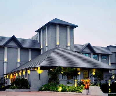 Pramod Convention & Beach Resort