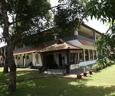 Green Palace Health Resort,Alleppey
