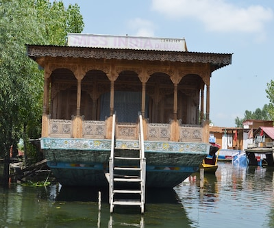 Miss India Houseboat,Srinagar