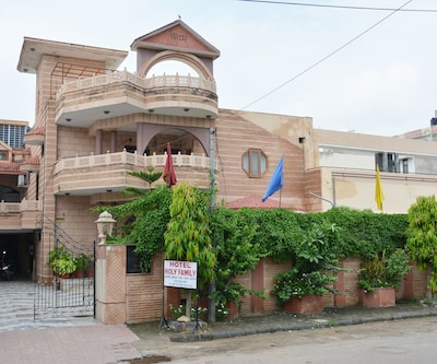 Hotel Holy Family,Jaipur