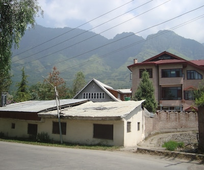 Assad Resort,Srinagar