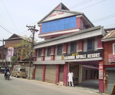 Hotel Kashmir Royale Resort,Srinagar