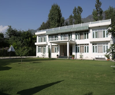 Nishat Hill Resort,Srinagar