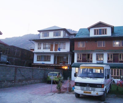 New York Guest House,Srinagar