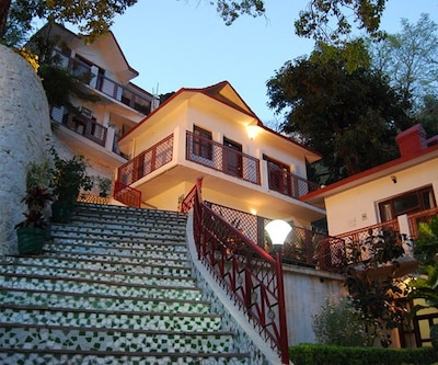 Ganga Beach Resort,Rishikesh