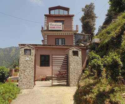 TG Stays Shoghi,Shimla
