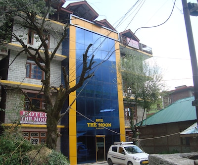 Hotel The Moon,Manali