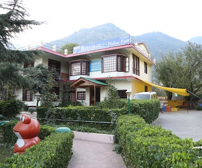 Hotel Baba Deluxe,Manali