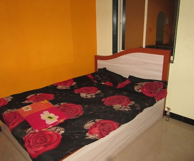 Shripad Lodging, ,